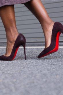 Бордовые туфли Louboutin
