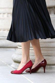 Бордовые туфли лаковые