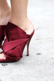 Бордовые туфли оригинальные