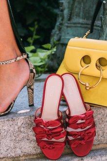 Бордовые туфли сабо