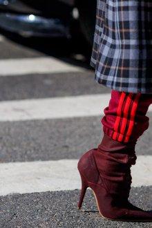 Бордовые туфли со шнуровкой