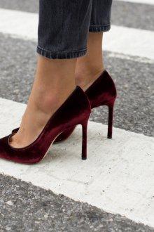 Бордовые туфли тренды