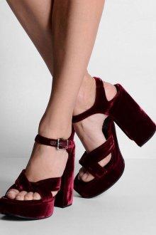 Бордовые туфли велюровые