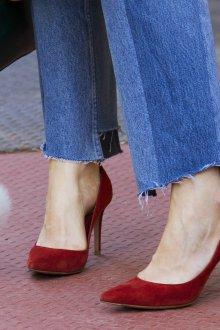 Бордовые туфли женские