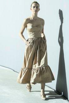 Повседневное платье бежевое