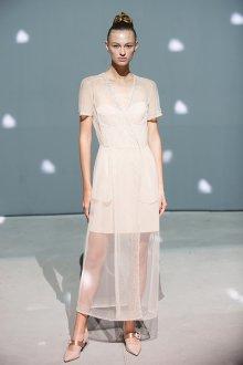 Повседневное платье белое с сеткой
