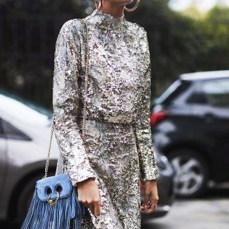 Повседневное платье блестящее серебряное