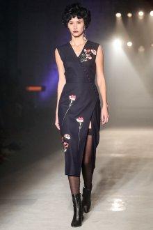 Повседневное платье цветочное черное