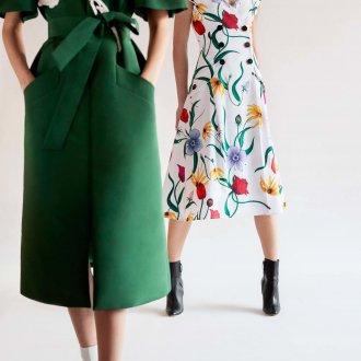 Повседневное платье с крупными цветами
