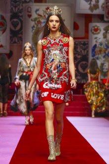 Повседневное платье с принтом красное