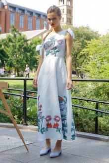 Повседневное платье с вышивкой