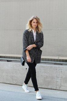 Кеды с пиджаком