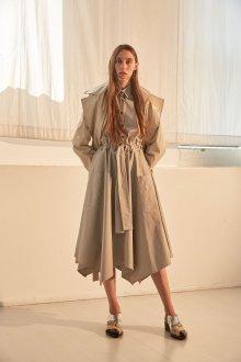 Бежевое платье асимметричное