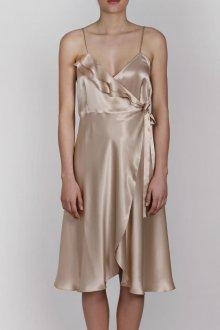 Бежевое платье в бельевом стиле шелковое