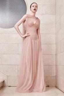 Бежевое платье из фатина