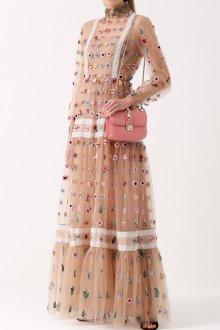 Бежевое платье в горошек с цветами
