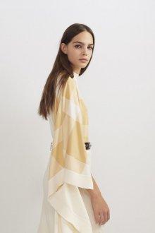 Бежевое платье красивое
