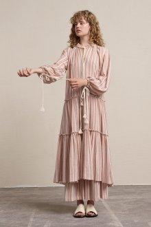 Бежевое платье полосатое