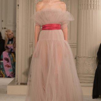 Бежевое платье свадебное пышное