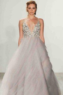 Свадебное платье для беременных с камнями