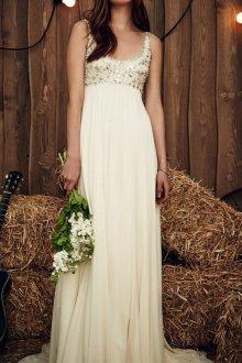 Свадебное платье для беременных с декором на лифе