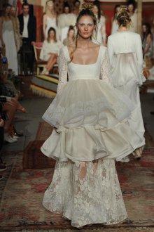 Свадебное платье для беременных с воланами
