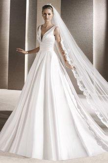 Атласное свадебное платье белое