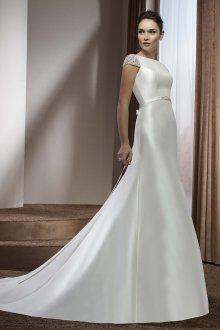 Атласное свадебное платье гладкое