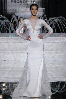 Атласное свадебное платье комбинированное кружевное