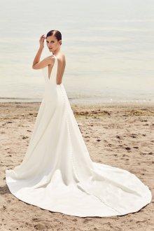 Атласное свадебное платье модное