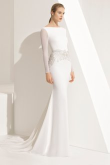 Атласное свадебное платье облегающее