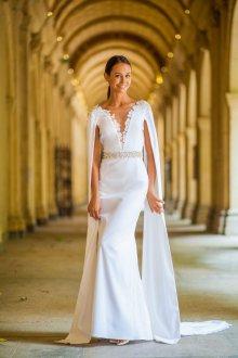 Атласное свадебное платье оригинальное