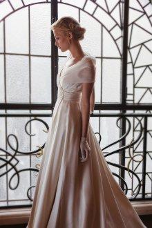 Атласное свадебное платье пудровое