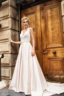 Атласное свадебное платье розовое