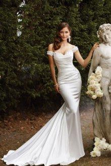 Атласное свадебное платье стильное