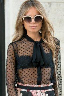 Блузка прозрачная черная в горошек