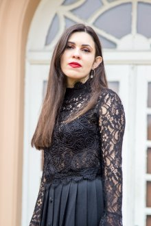 Блузка прозрачная черная с рукавами