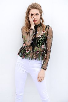 Блузка прозрачная с цветами