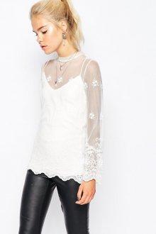 Блузка прозрачная с кожаными штанами