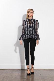 Блузка прозрачная модного кроя