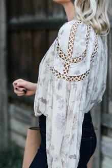 Блузка прозрачная оригинальная
