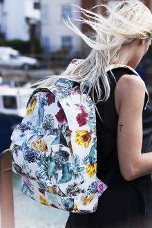 Белый рюкзак большой с цветами