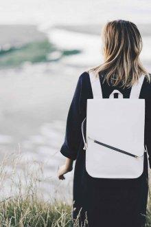 Белый рюкзак модный