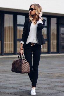 Белые кеды модные