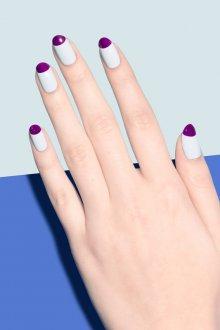 Фиолетовый маникюр с голубым