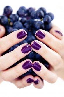 Фиолетовый маникюр на квадратные ногти