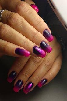 Фиолетовый маникюр на нарощенные ногти с градиентом