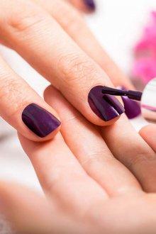 Фиолетовый маникюр однотонный