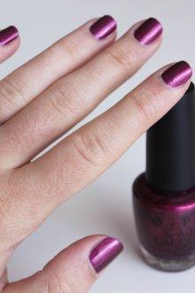Фиолетовый маникюр перламутровый