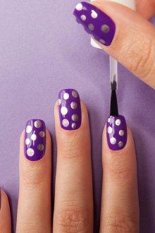 Фиолетовый маникюр с серебром